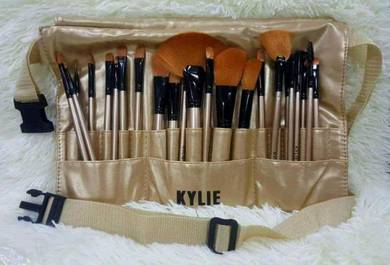 Kylie Brush Bag with 24pcs brush