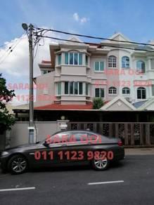 RENOVATED 2.5 Storey CORNER Bayan, Puchong Jaya