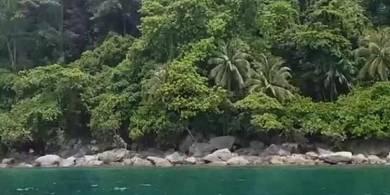 Tanah cantik di Pulau Perhentian Besut Terengganu