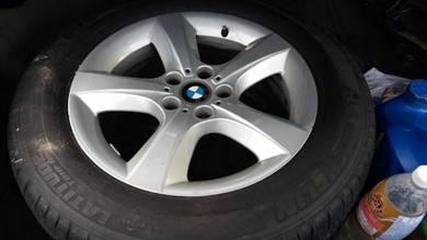 BMW X5 18inch sports rim with tyre