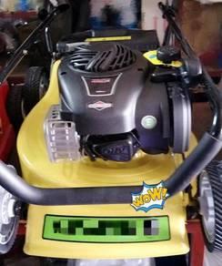 Lawnmower c/w B & S Engine & Catcher