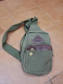 Sling bag / shoulder bag