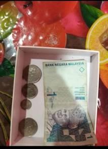 Duit syiling dan kertas lama