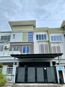 For Sale : Renovated 3 Storey Terrace Intermediate Taman Sri Putra 3