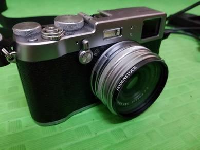 Fujifilm X100F Silver (Preloved)