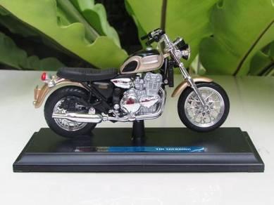 Maisto 1/18 Motorcycle Triumph Thunderbird 2002