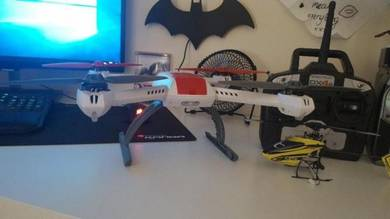 Blade 350QX Quadcopter and Nano cpx 3D Helicopter