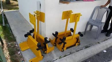 Pengapit Tayar Heavy Duty Steel - wheel clamping