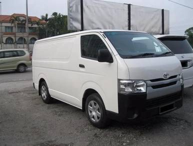TOYOTA HIACE 2.5 (M) Like New