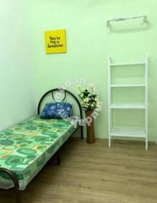 Room for rent Kulai Indahpura!!! Low deposit!!!