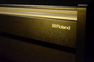 Roland F140r Digital Piano - SatinBlack