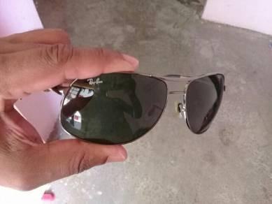 Ray band glass