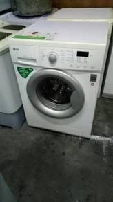 Washing machine mesin basuh LG direct drive 7KG