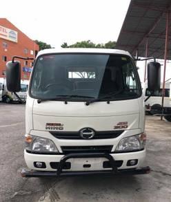 Lorry HINO XZU 600J 4800KG (1 TON)- 10 FT