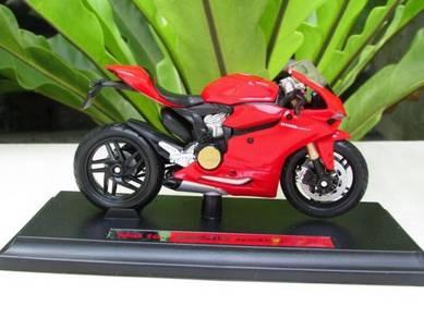 Maisto 1/18 Diecast Ducati 1199 Panigale SuperBike