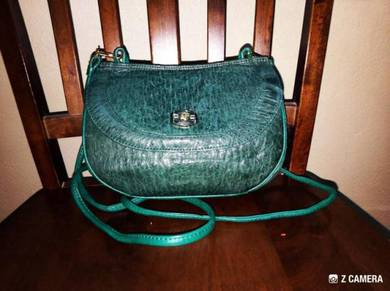 Sling Bag Ostrich Leather AG