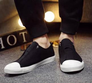 M0230 Stylish Black Sneakers Slip-on Casual Shoes