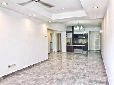 [Below MV][Kitchen Cabinet] Villa Kemensah Condominium Taman Melawati