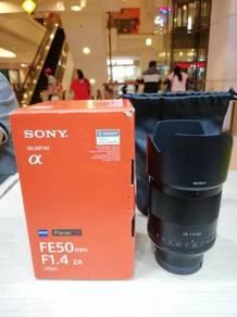 Sony zeiss fe 50mm f1.4 za lens - 99.9% new