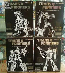 Transformers Universe Deluxe Class Set Of 4