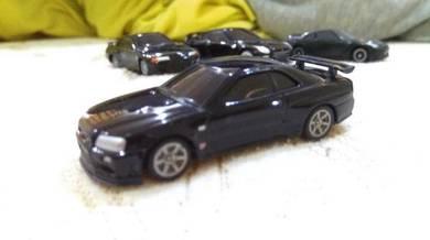 UCC 1:72 nissan skyline GTR R34 diecast car model