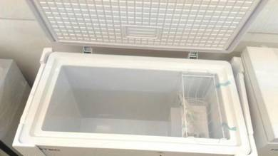Freezer 230Liter Putih -Ready Stock