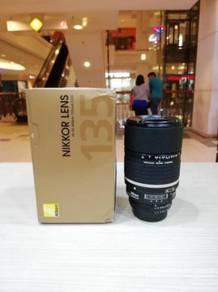 Nikon af 135mm f2d dc lens - 98% new
