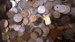 403) 100 different world mixed coins