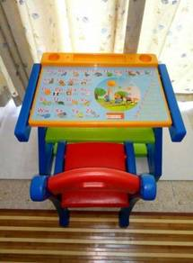 Children table & chair set