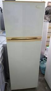 Daewoo Fridge Refrigerator Peti Sejuk Ais 2 Pintu