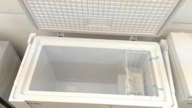 Freezer 230L Putih -Stock Baru