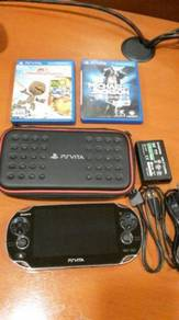 PS Vita 1000 with 2 games