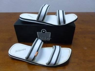 Sandal ADMIRAL size 9 White Color