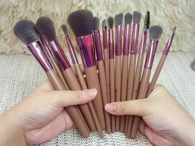 Bh cosmetics lavish elegance 15pcs brush