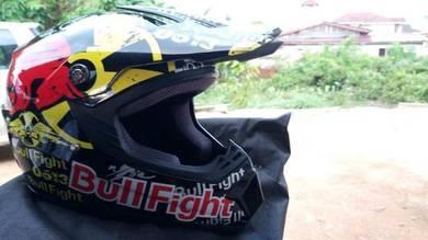 Helmet Cross