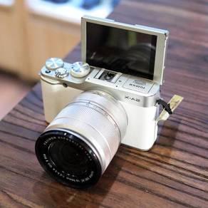 Fujifilm X-A2 and with Kit Lens fullset