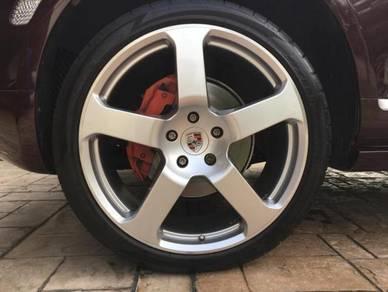 Porsche Cayenne 22inch With Tyres
