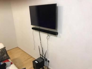 """40"""" Samsung LED Smart TV with Speaker"""
