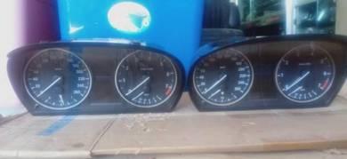 BMW e90 e91 meter