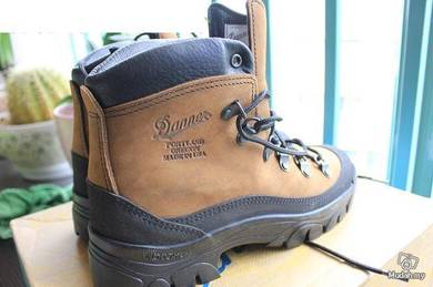 Danner army boots shoes
