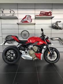 Ducati Streetfighter V4: NEW 2021 STOCK