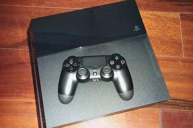 Playstation 4 PS4 1 Terabyte Black editions