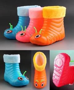 RainBoots Worm Kid 3