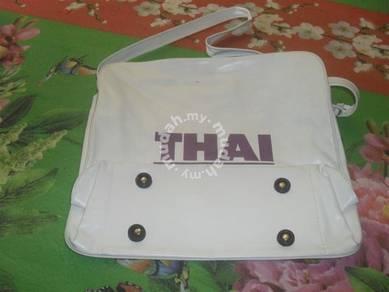 Beg vintage thai tourist