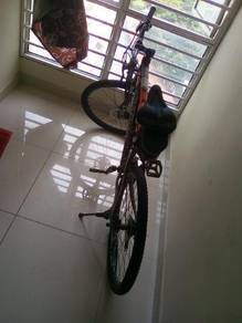 Second hand storm bicycle , good condition