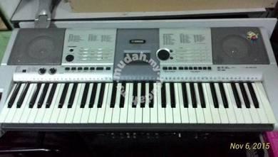 Yamaha Keyboard PSR 403