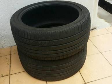 Corsa 245/40 ZR18