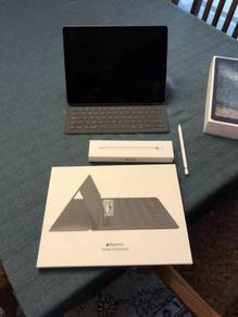 IPad Pro 12.9, 2nd Gen, WiFi+LTE - Pen, Keyboard