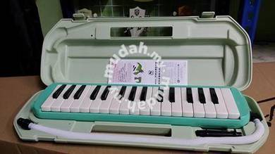 Suzuki Melodian (Alat Muzik Sekolah Rendah)