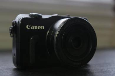 CANON EOS M with 22mm and adapter